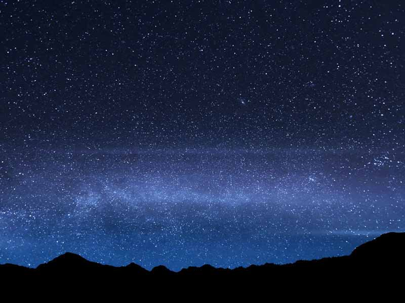 night sky on rinjani volcano