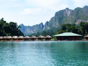 khao sok floating raft houses