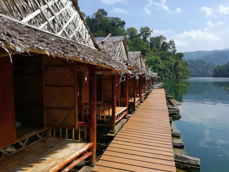 khao sok floating raft house jetty