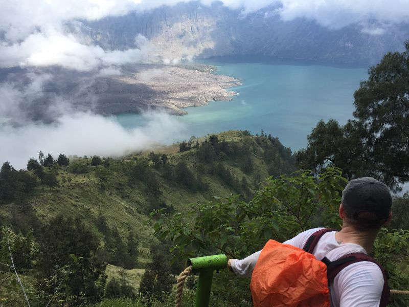 Indonesia lombok rinjani trek lake view