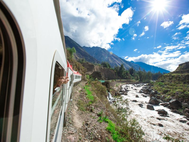 peru machu picchu train cusco_landscape_